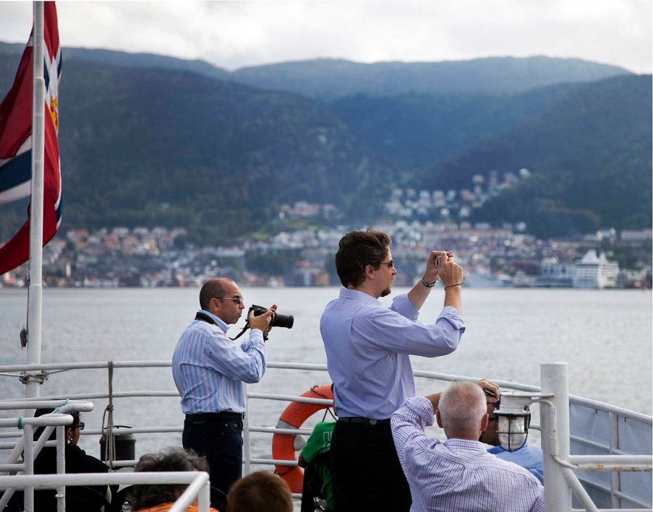 Turister på Byfjorden ombord MS Bruvik. Foto: Bjørn Erik Larsen/Bergens Tidende