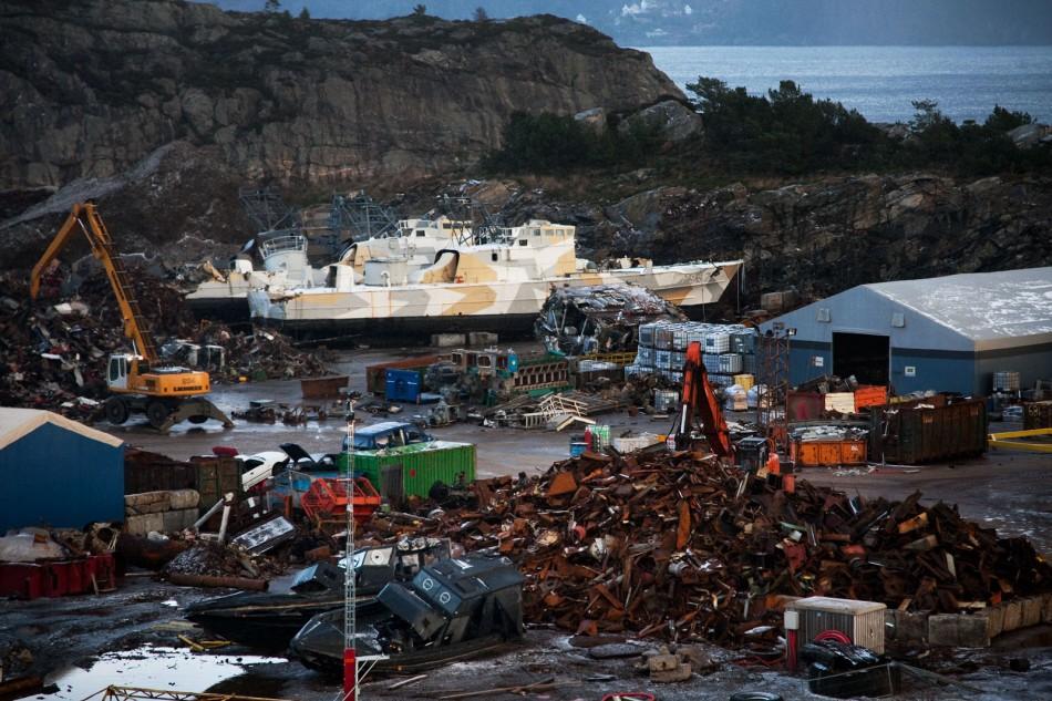 Forsvaret brukte 1 milliard på å oppgradere MTB-våpenet. Nå ligger de på skraphaugen på Sotra utenfor Bergen.